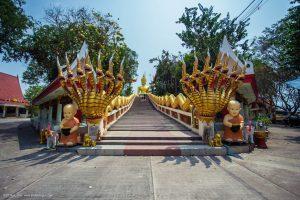 Храм Wat Phra Khao Yai и статуя Большого Будды