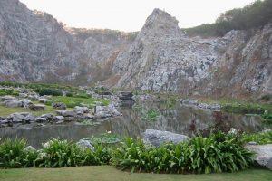 Пруд у горы Кхао Чи Чан
