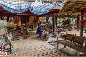 Демонстрация плетения из шелковых нитей
