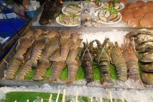 Еда на рынках Паттайи