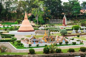 Пагода Ват Пхра Срисунпетх