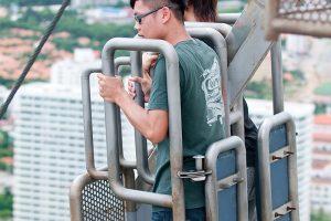Спуск с Башни Паттайя Парк